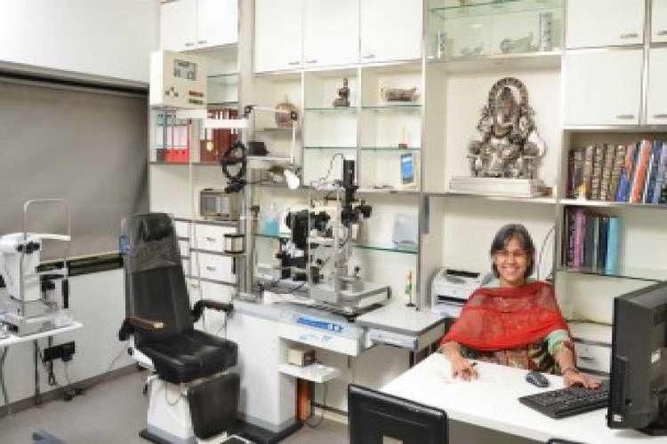 Aayush eye clinic eye specialist lasik eye surgery in mumbai