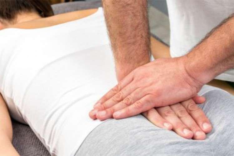 Back pain treatment in delhi from best back pain doctor in delhi