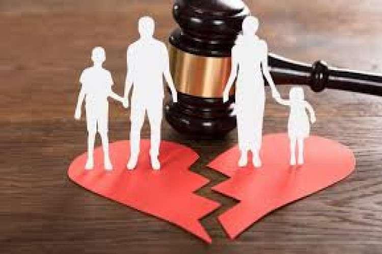 Best divorce lawyer in delhi