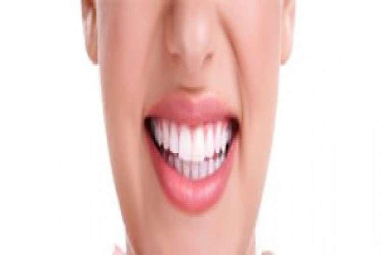 Consult best dentist in delhi