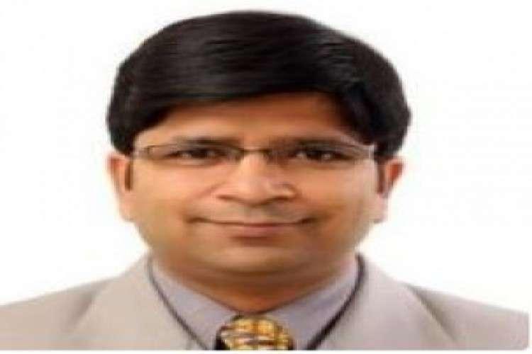 Dr shailendra kumar goel best urologist in noida