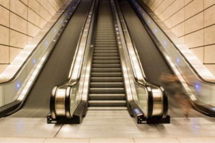 escalator-manufacturers-in-delhi_2251132.jpg