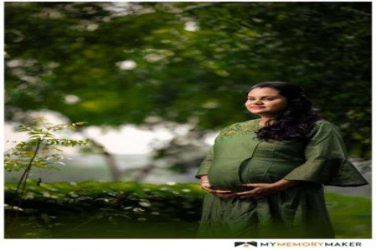 Maternity photoshoot in hyderabad   mymemorymaker